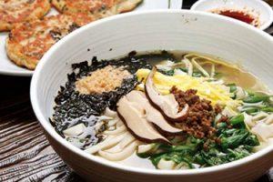 Nureun Guksu (Pressed noodles)