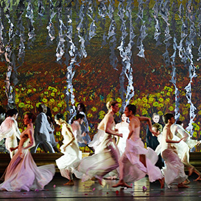 Daegu's annual celebration of opera began with the opening of the Daegu Opera House. Asia's leading opera theatres with many spectacular performances.